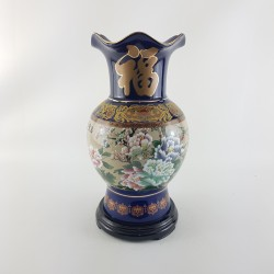 44016 – Vase en porcelaine,...