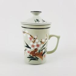 T84001 - Tasse à thé en...