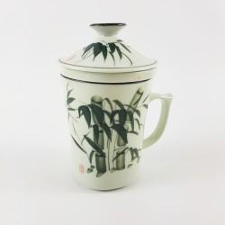 T84002 - Tasse à thé en...