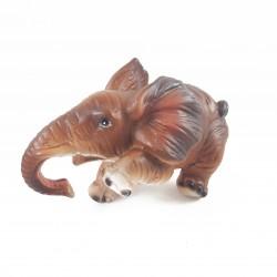 88007 - Éléphant marron qui...